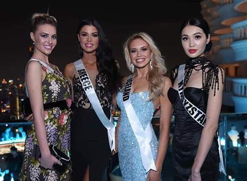HHen Niê diện đầm sequin dự tiệc với dàn hoa hậu Miss Universe - 10