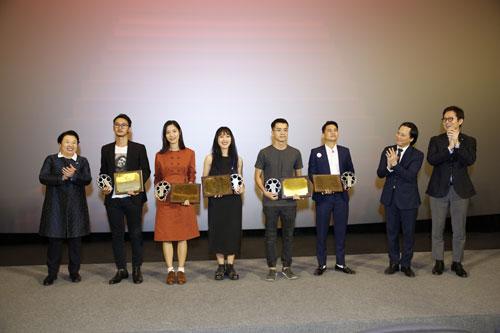 đạo diễn xuất sắc nhất của Dự án phim ngắn CJ tại Việt Nam.