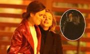 Bạn gái cũ Brooklyn Beckham hôn người mẫu Playboy đồng giới