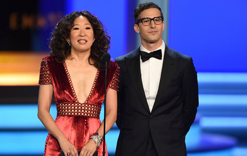 Andy Samberg và Sandra Oh dẫn chương trình Quả Cầu Vàng 2019