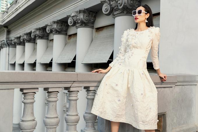 Vũ Ngọc và Son ra mắt bộ sưu tập váy trắng đa phong cách