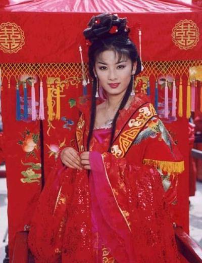 Huỳnh Dịch trong Lên nhầm kiệu hoa được chồng như ý.