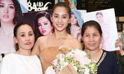 Khán giả đón Tiểu Vy về nước sau khi thi Miss World