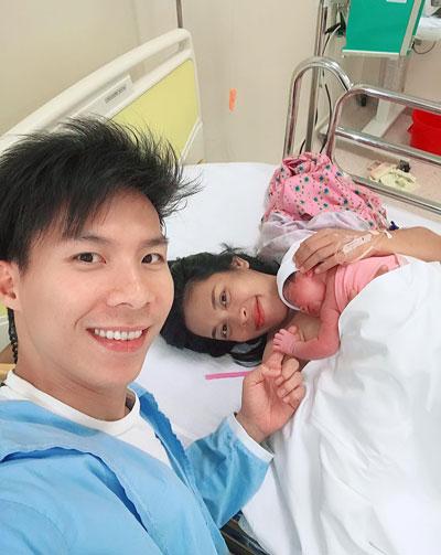 Nghệ sĩ xiếc Quốc Nghiệp đón con gái chào đời.