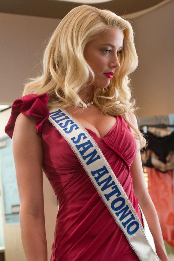 Các vai diễn nóng bỏng của 'công chúa đại dương' Amber Heard