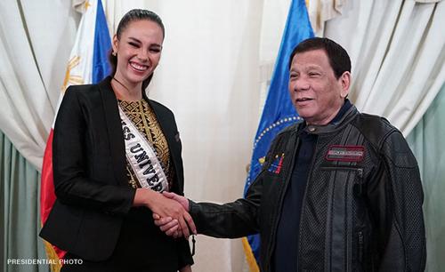 Tổng thống Rodrigo Duterte gặp gỡ Catriona Gray