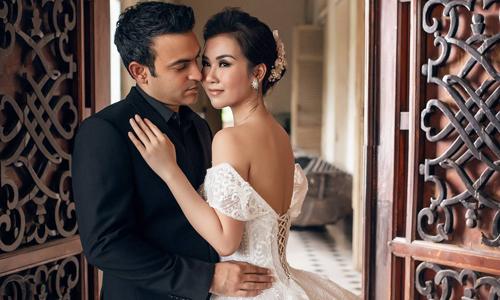 Võ Hạ Trâm và Vikas trong ảnh cưới.