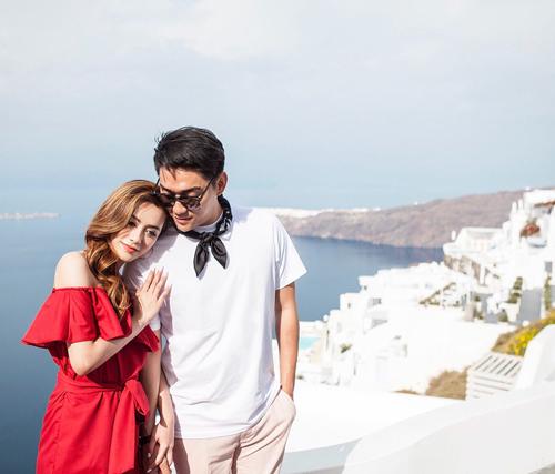 Riefian Fajarsyah và vợ -