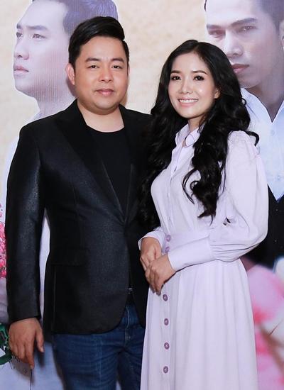 Học trò Quang Lê ra MV nhạc phổ thơ Hai sắc hoa ti gôn