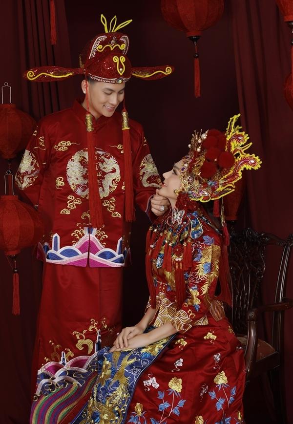 Vợ chồng Lâm Khánh Chi mở tiệc mừng một năm ngày cưới