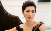 Nguyễn Hồng Nhung diện váy xuyên thấu tôn dáng