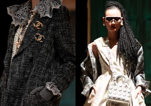 Người mẫu đeo dây chuyền ngọc trai Chanel, túi Dior, kính Gucci trong show.