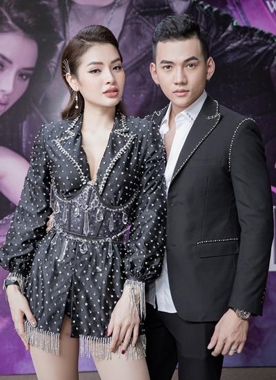 Phương Trinh Jolie bên bạn diễn Lý Bình trong buổi ra mắt MV.