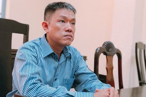 Họa sĩ Lê Phong Linh tại phiên sơ thẩm sáng 28/12. Ảnh: Mai Nhật.