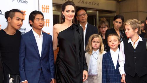 Angelina Jolie thích các con thể hiện cá tính riêng. Ảnh: AFP.