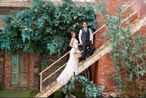 Sau đám cưới tại nhà cô dâu ở Bình Thuận, họ tiếp tục tổ chức tiệc ở TP HCM vào ngày 13/1/2019.