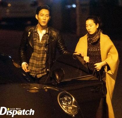 1/1/2015, tài tử Lee Jung Jae và Lim Se Ryung - người thừa kế Daesang Group, vợ cũ thái tử tập đoàn Samsung - bị tung loạt ảnh tình tứ. Mối tình này bị người hâm mộ phản đối vì Lim Se Ryung từng trải qua một đời chồng và có hai con riêng, tuy nhiên Lee Jung Jae không bận tâm. Nguồn tin Dispatch cho biết cặp sao vẫn bền chặt đến bây giờ.