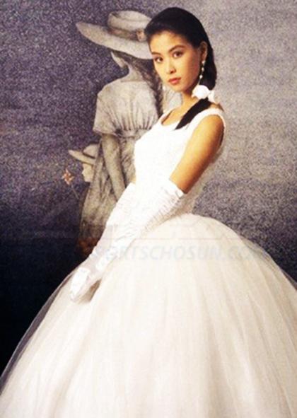 Nhan sắc thời thiếu nữ của bà xã Jang Dong Gun  - 3