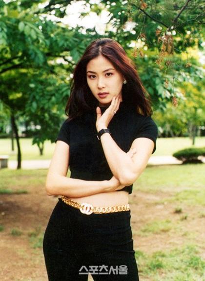 Nhan sắc thời thiếu nữ của bà xã Jang Dong Gun  - 7