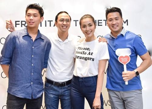 Cựu diễn viên Thủy Tiên và doanh nhânJohnathan và bà Thủy Tiên có 2 con chung, đó là Thảo Tiên và con trai Hiếu Nguyễn.