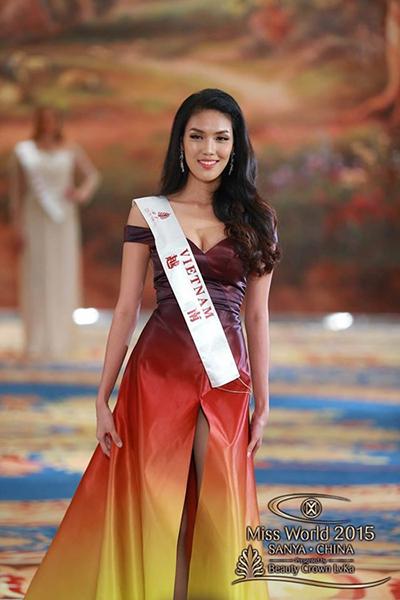 Năm 2016, Lý Quí Khánh thành công khi bộ đầm dạ hội anh thiết kế cho Lan Khuê ở Hoa hậu Thế giới giành giải Trang phục dạ hội đẹp nhất.
