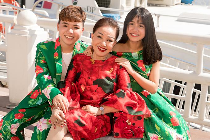 Vợ chồng Quốc Nghiệp làm mẫu thời trang