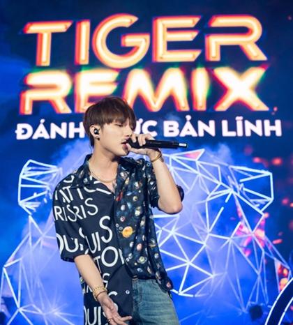 Sơn Tùng MTP đem đến phiên bản remix của loạt hit Lạc trôi, Em của ngày hôm qua và Chạy ngay đi.