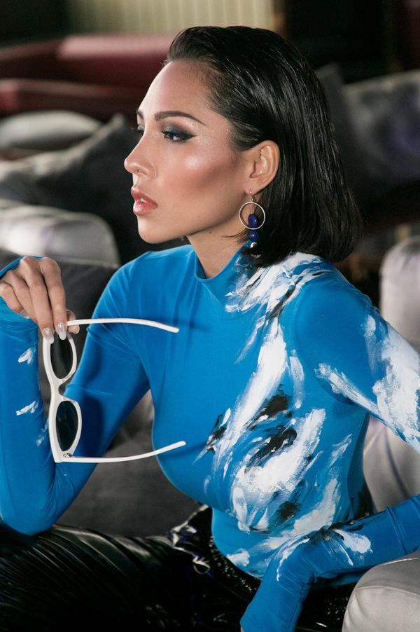 Ngọc Trinh diện váy xuyên thấu làm giám khảo