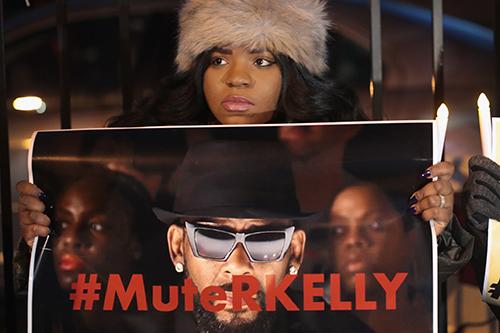 Người hâm mộ đòi tẩy chay R.Kelly sau khi xem bộ phim tài liệu.