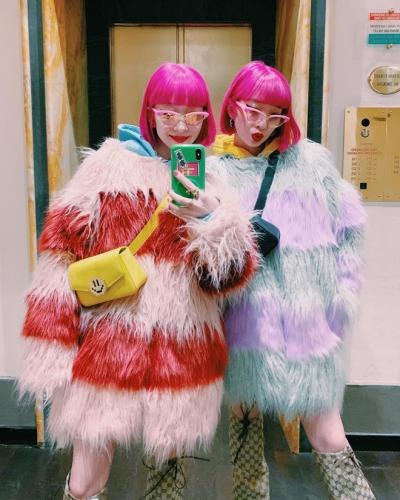 Màu hồng tím được nhóm nhạc Amiaya theo đuổi.