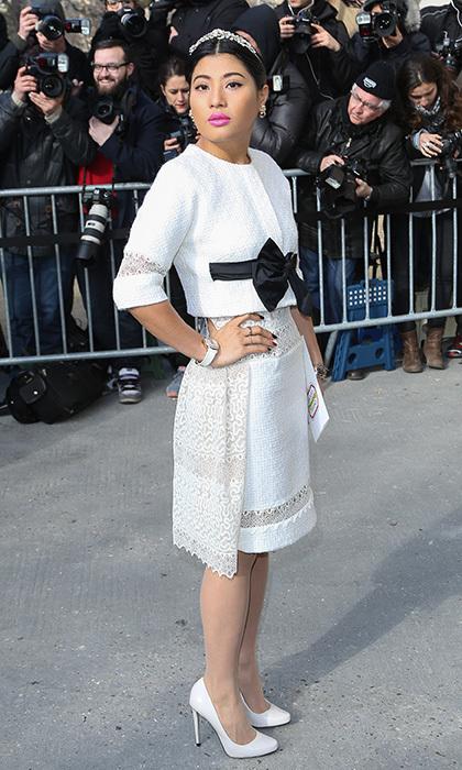Sirivannavari Nariratana được nhiều tạp chí nhận xét thanh lịch, sang trọng với bộ váy Chanel trắng.