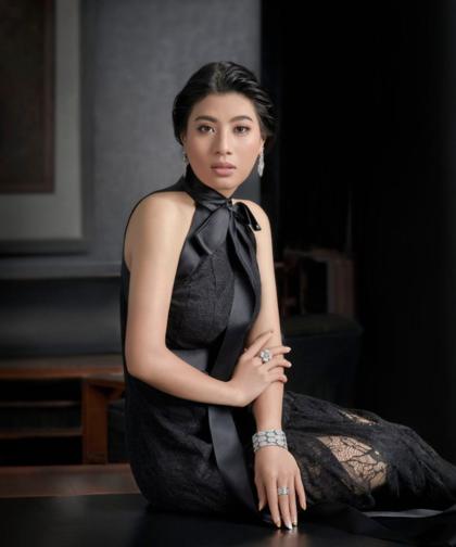 Hình ảnh cuốn hút của công chúa Thái Lan trên tạp chí.