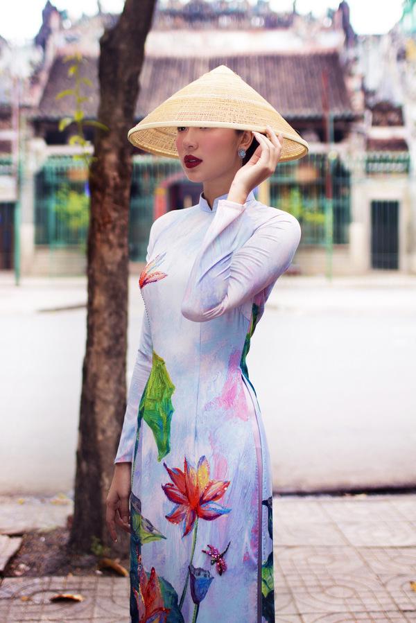Đồng Ánh Quỳnh làm 'nàng thơ' bộ sưu tập áo dài