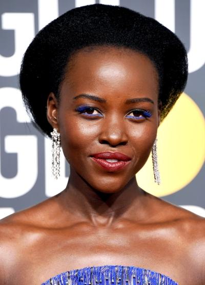 Tại lễ trao giải Quả Cầu Vàng mới đây, Lupita Nyongo gây ấn tượng