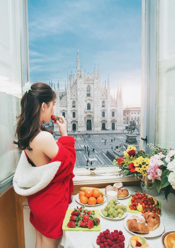 Ngọc Trinh tận hưởng không khí lãng mạn ở Italy