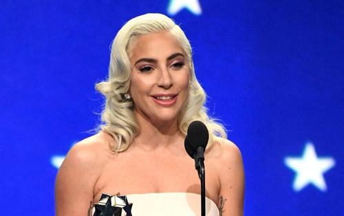 Lady Gaga phát biểu khi nhận giải.