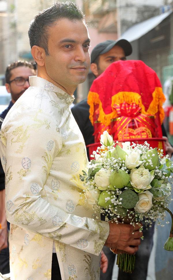 Chú rể Ấn Độ mặc áo dài rước Võ Hạ Trâm