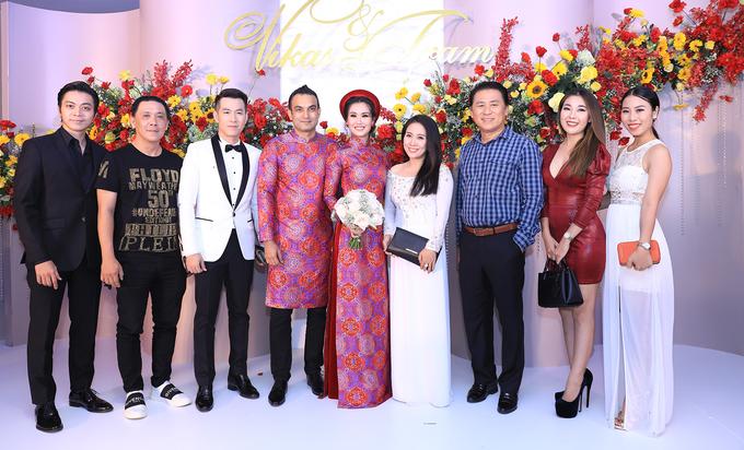 Vợ chồng Quốc Cơ dự tiệc cưới Võ Hạ Trâm