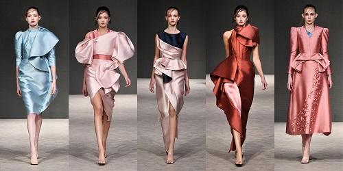 [Caption]Từng gây bão tại Vancouver Fashion Week 2018, khi là NTK có vinh dự mở màn show diễn đình đám khu vực Bắc Mỹ này, PHUONG MY thuộc thế hệ các NTK trẻ giàu triển vọng đến từ Châu Á. Với nguồn cảm hứng dào dạt từ phương Đông, PHUONG MY rất thành công trong việc khắc họa vẻ đẹp ám ảnh, bí ẩn của người phụ nữ Châu Á, nhưng vẫn hài hòa cùng dòng chảy thời trang phương Tây. Với BST mang tên Sonorous tại Vancouver, lần đầu tiên giới mộ điệu được thưởng thức nét đẹp huyền thoại của nền văn hóa Tây Tạng được thể hiện qua những đường gấp, họa tiết trang trí... thấm đậm nét đẹp của một mảnh đất huyền bí.