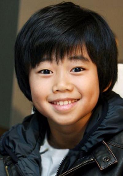 Park Ji Bin - sao nhí đình đám khác của phim Vườn sao băng 2009.