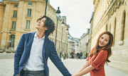 'Biểu tượng sắc đẹp Kpop' cùng chồng dạo phố Paris