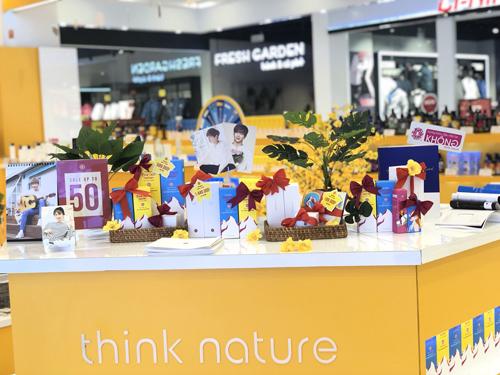 Tại Việt Nam, thương hiệu đã mở 3 cửa hàng tại Hà Nội, Hải Phòng và TP HCM.