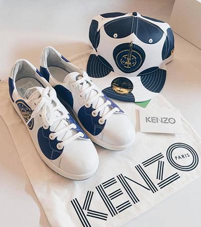 Là tín đồ của phong cách đường phố khỏe khoắn, Quỳnh Anh chuộng sneakers và mũ lưỡi trai của Kenzo.
