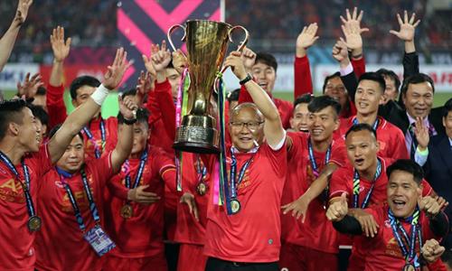 Đội tuyển Việt Nam ăn mừng chiến tích tại AFF Cup. Ảnh: Đức Đồng.