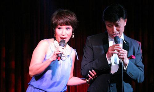 Hai anh em ca sĩ Tuấn Ngọc - Khánh Hà.