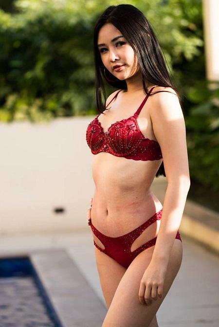 Ở phần thi bikini, Ngân Anh nhận nhiềuchỉ trích trên mạng xã hội do trang phục giống đồ lót, khác hẳn các thí sinh còn lại. Cô cũng để lộ phần da bị ửng đỏ khiến hình ảnh kém chỉn chu.