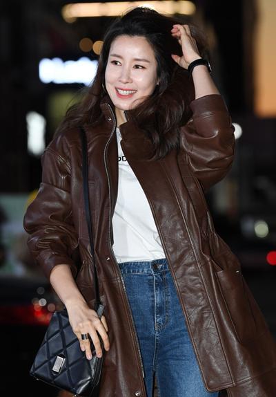 Lee Tae Ran tại sự kiện tối 26/1.
