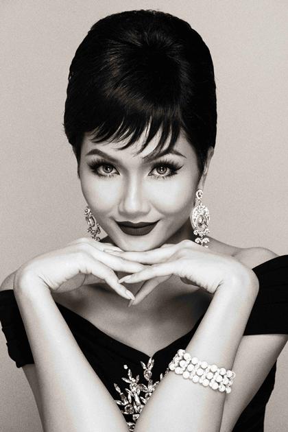 HHen Niê: Từ nhan sắc gây tranh cãi đến Hoa hậu đẹp nhất thế giới