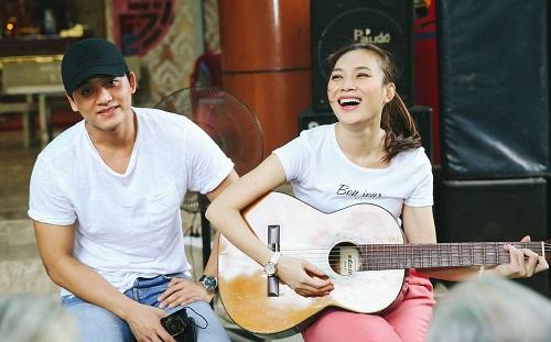 Mỹ Tâm và Mai Tài Phến hát tặng các nghệ sĩ lớn tuổi trong sự kiện gần đây.