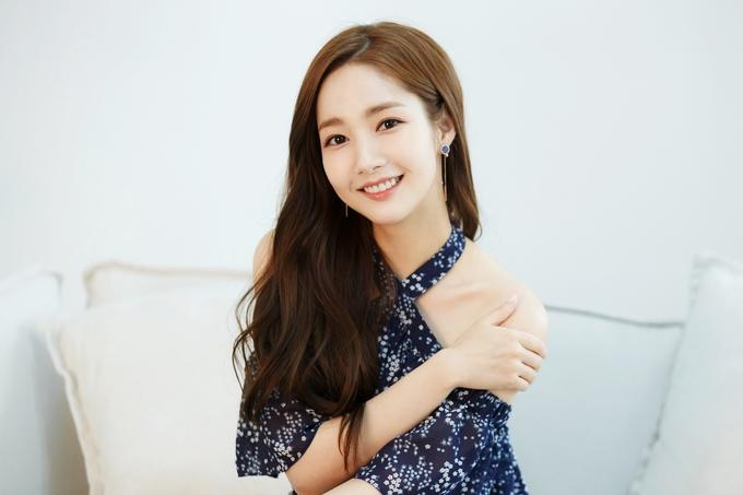 Park Min Young được khen 'đẹp không góc chết' ở tuổi 33